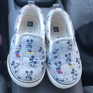 Gap toddler Disney Mickey Mouse slip on sneaker